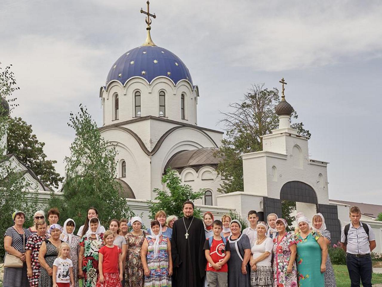 Паломническая поездка на подворье женского монастыря в честь иконы Божией Матери «Всецарица»